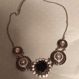 Costume bling snap necklace